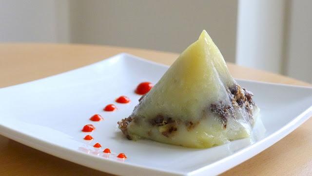 Vietnamese rice pyramid dumplings 1