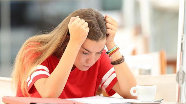 Orang-orang yang mengalami depresi biasanya mengalami keterlambatan dalam proses berpikir