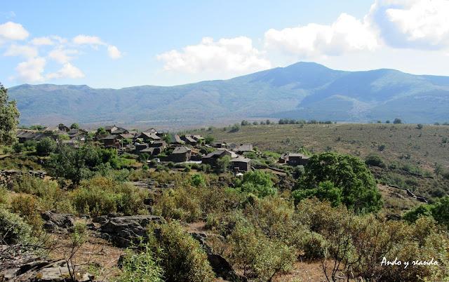 Roblelacasa y Sierra de Ayllón. Pueblos de Arquitectura Negra en Guadalajara