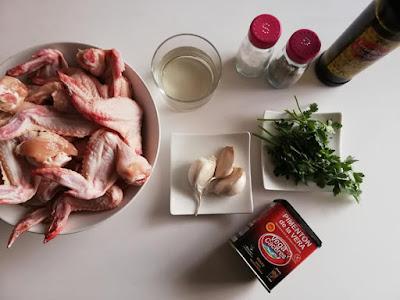 Ingredientes para alitas de pollo al horno con patatas