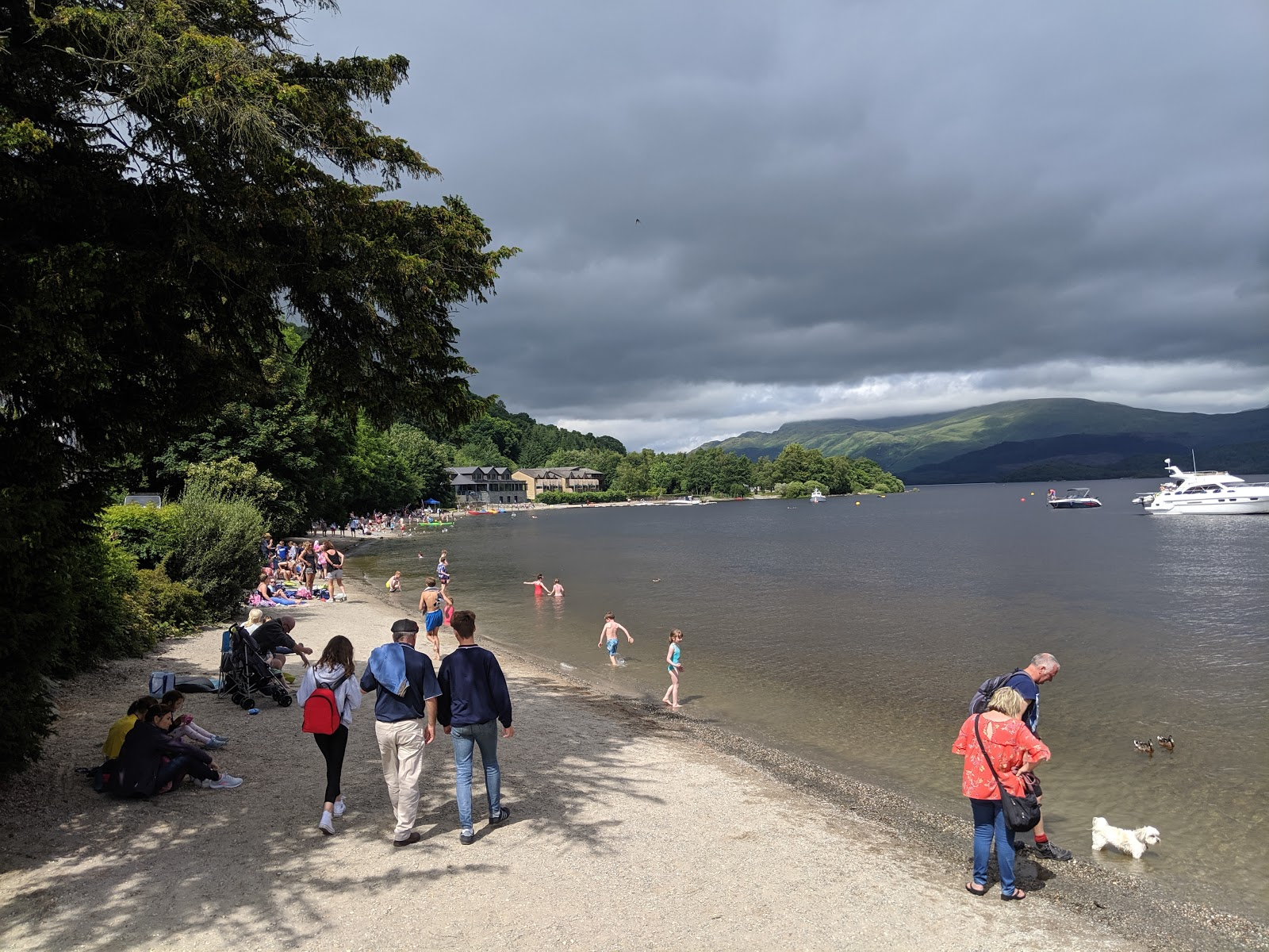 A Short Break at Cameron Lodges, Loch Lomond - Luss - beach and paddling in the loch