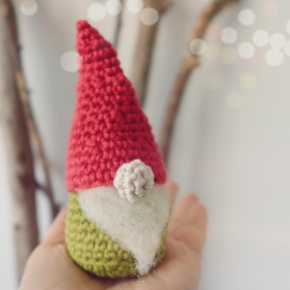 Christmas Gnome – Amigurumi Crochet Pattern     Christmas crochet ...   1000x1000