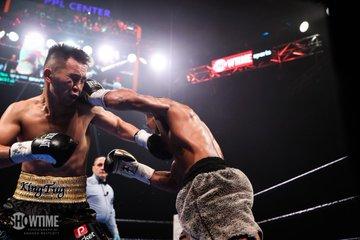 Gary Russell Jr defeat Tugstsogt Nyambayar