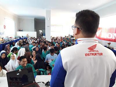 Sekitar 100 peserta antusias dalam acara ini