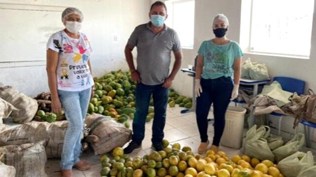 Em parceria com Governo da Paraíba, Prefeitura de São José de Espinharas realiza entrega de alimentos a famílias assistidas pelo CRAS