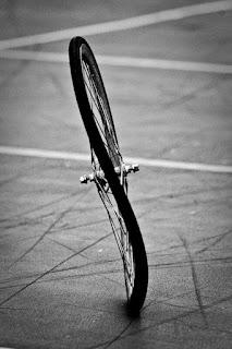 колесо восьмеркой