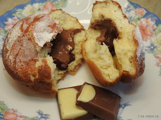 Gogoasa umpluta reteta gogosi umplute cu ciocolata retete desert dulce prajitura mancare stradala gustare aluat cozonac gogosele de casa,