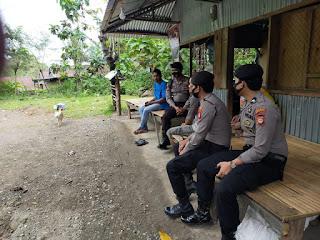 Unit Patroli Satuan Sabhara Polres Enrekan Laksanakan Giat Patroli Dialogis Dusun Riso Dan Pinang