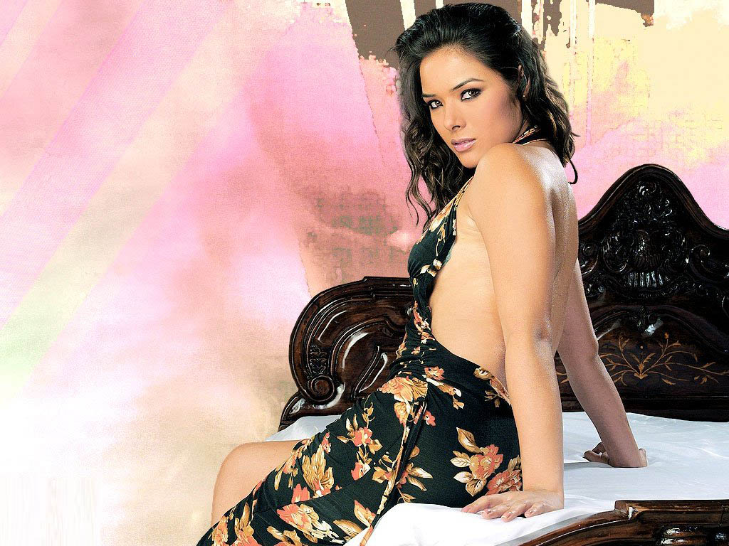 Bollywood Hot Actress Udita Goswami - Alessandra Delicadeza-5018