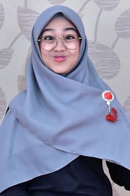 ria ricis akad hijab imut