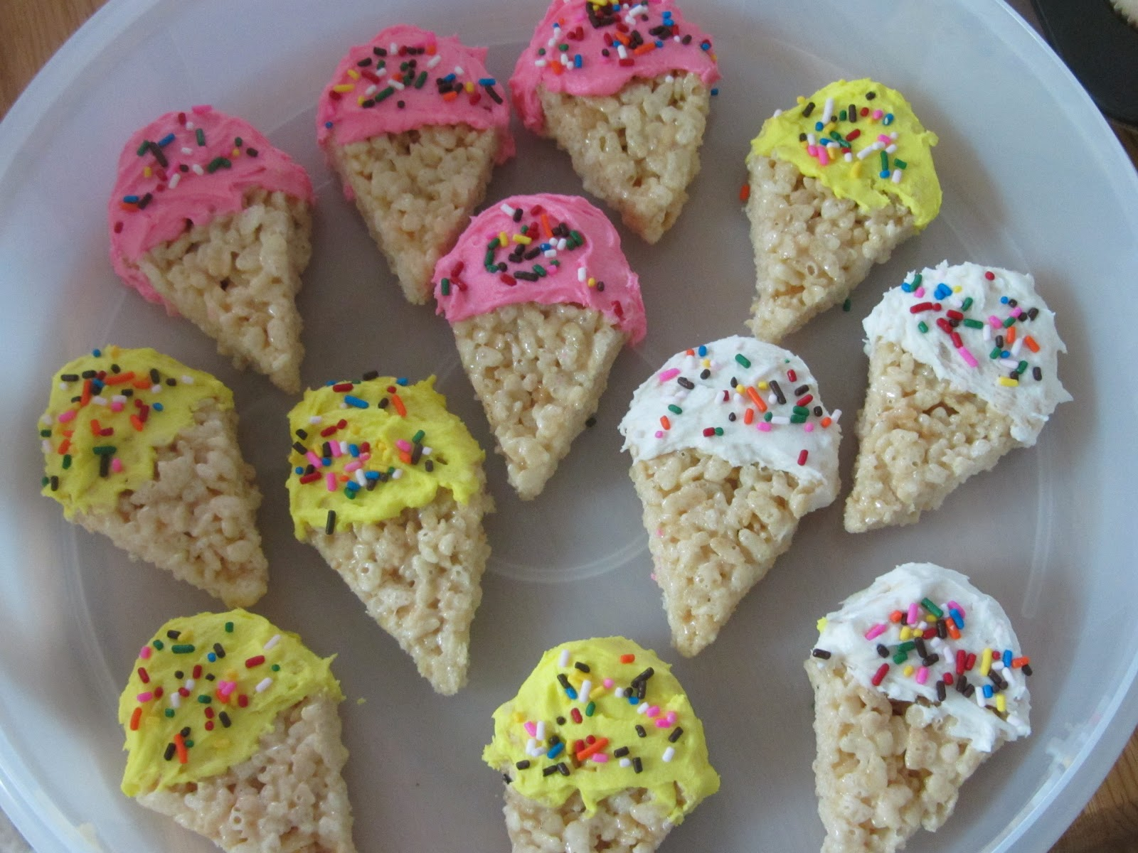 Been There Baked That: Ice Cream Cone Rice Krispie Treats