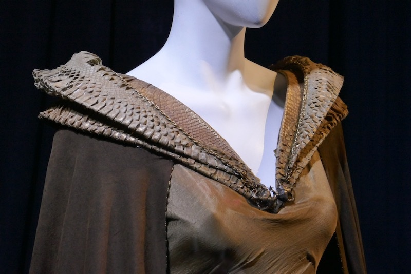 Maleficent Mistress of Evil reptilian collar costume detail