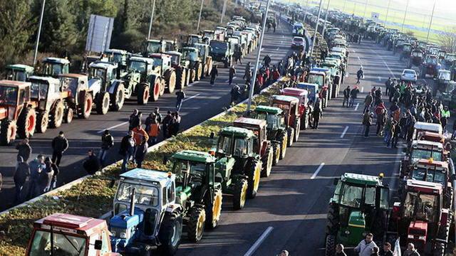 Κλιμάκωση των κινητοποιήσεων και κάθοδο στην Αθήνα αποφάσισαν οι αγρότες