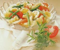 Daržovių salotos su kiaušiniais