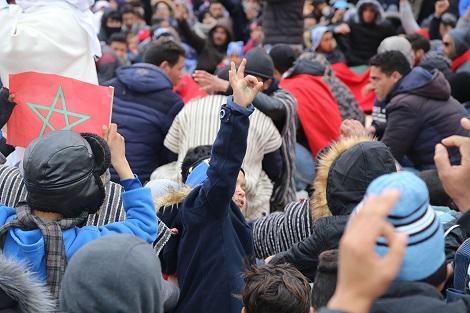 احتجاج حاشد يهز مدينة جرادة .. ودعوات الإضراب تستنفر الأمن