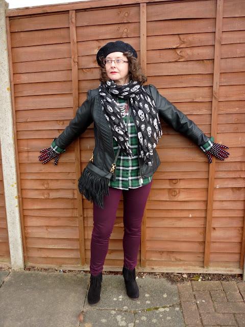 New Look Plaid Shirt, Joy Bag, Dorothy Perkins Skinnies, Skull Scarf | Petite Silver Vixen