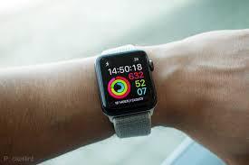 Apple watch en el brazo de un hombre