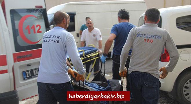 Diyarbakır Kayapınar'da trafoya giren genç hayatını kaybetti
