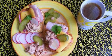 Kanapki śniadaniowe z tuńczykiem