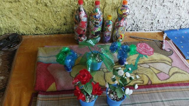 Kelompok Wanita Tani Cijabon Desa Sukaluyu RW.12 Ciptakan Kreasi Kerajinan Tangan Dari Sampah Plastik
