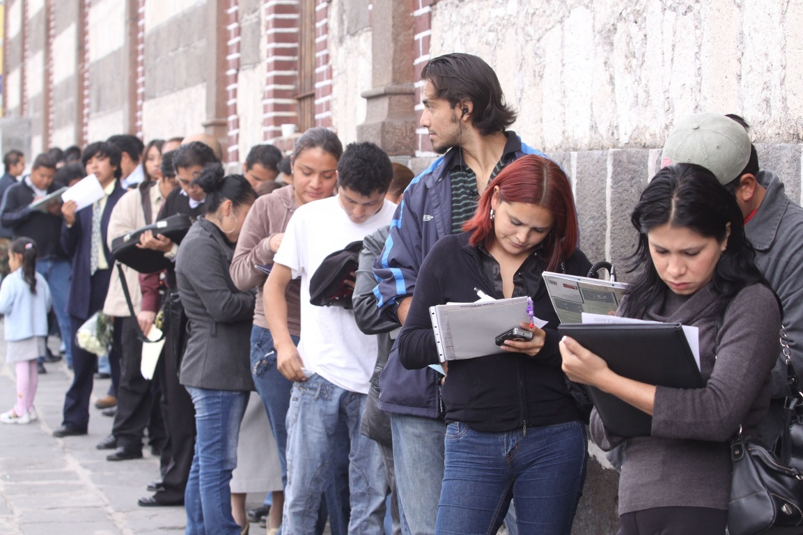 Informe de OIT: el aumento del desempleo juvenil amenaza la lucha contra la pobreza