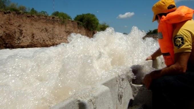 El Municipio mandó a analizar el agua del Arroyo Saladillo por las denuncias de contaminación