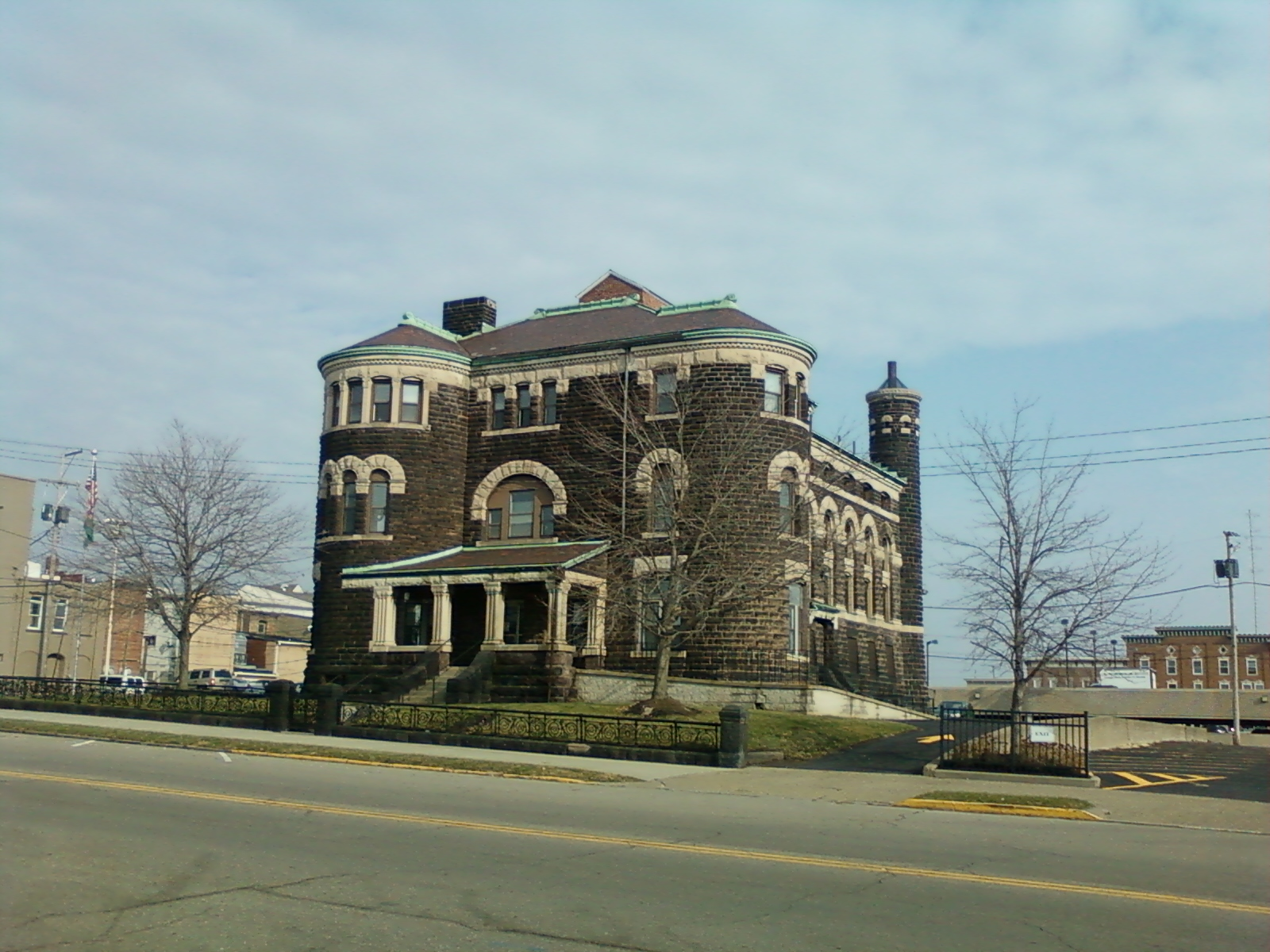 street view of the Licking County Jail from 1889-1987