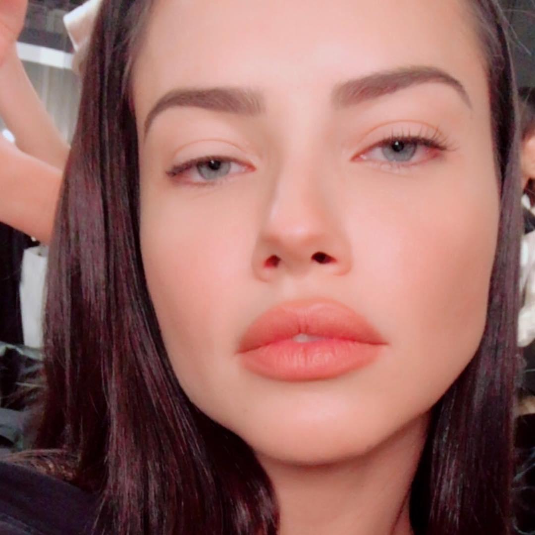 Adriana Lima Instagram