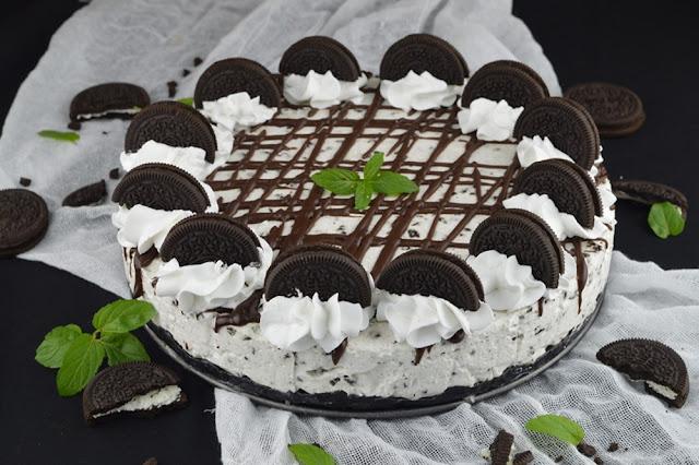 https://www.caietulcuretete.com/2019/12/cheesecake-oreo.html