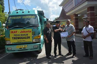 IKAT Jakarta Berikan Bantuan Bencana Alam Trenggalek
