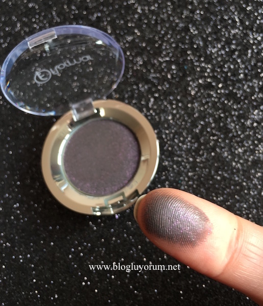 flormar party eye shadow glittery plum 05 swatch