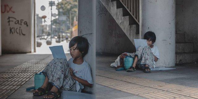Momen Seorang Anak Pemulung, Semangat Kerjakan Soal Ujian Sekolah di Jalanan Bandung