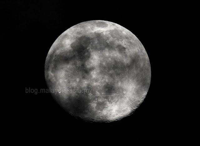 Moon Photos in Malaysia