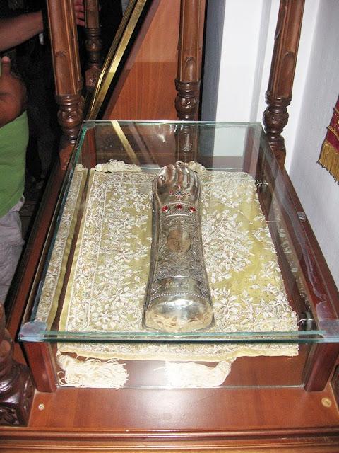 Η δεξιά χείρα του Οσίου Εφραίμ του Σύρου. http://leipsanothiki.blogspot.be/