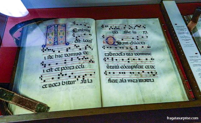 Manuscrito com iluminuras na Biblioteca de San Marco
