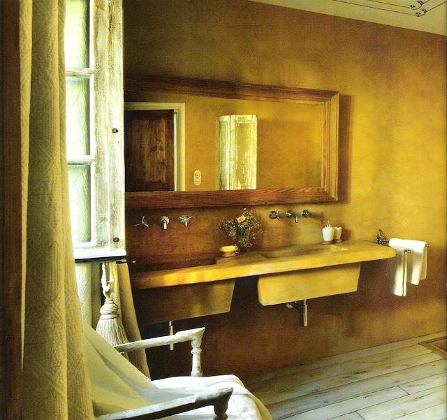 Rustic warm bath, Côté Sud Aout-Sept 2006, edited by lb for linenandlavender.net