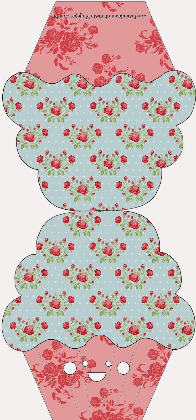 Tarjeta con forma de cupcake de Shabby Chic de Rosas Rojas en Fondo Celeste