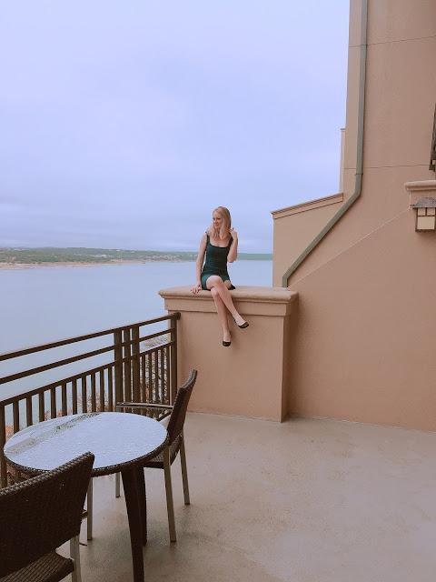 http://www.chowdownusa.com/2017/12/lakeway-resort-spa-austin-texas.html