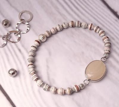 white papaerbeads bracelet