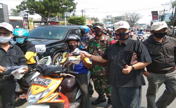Peduli Covid-19, DPD IKM Kota Serang Bagikan 5000 Masker