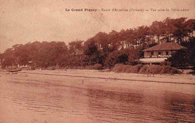 b00971d1b0463b ... accessible seulement en bateau depuis Arcachon, que Cocteau fait un  premier séjour d août à octobre 1917. Il y rejoint le peintre André ...