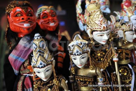 Wayang Golek Seni Dan Budaya Jawa Barat Baraya Pasundan