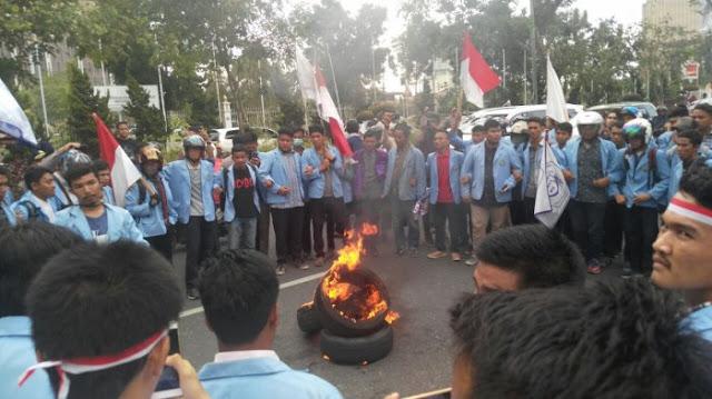 mahasiswa unri demo, akibat karhutla