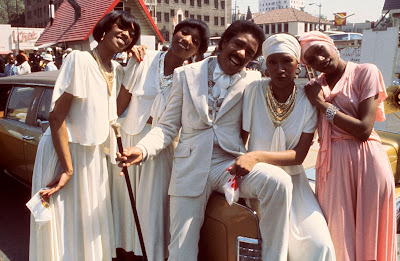 Richard Pryor and the Pointer Sisters on the Car Wash set