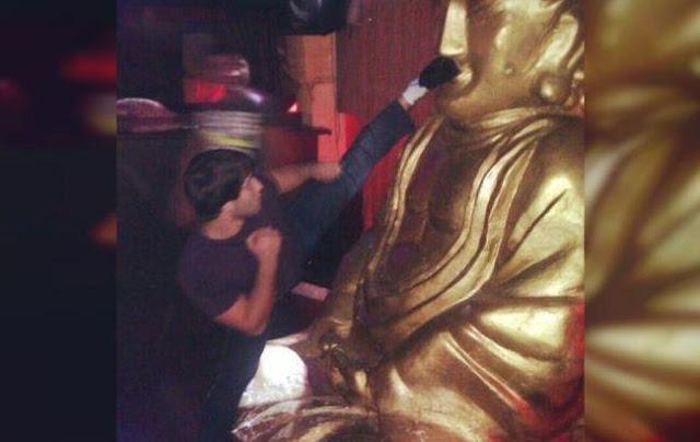 Дагестанский Спортсмен помочился на статую Будды и был поставлен на колени в Калмыкии