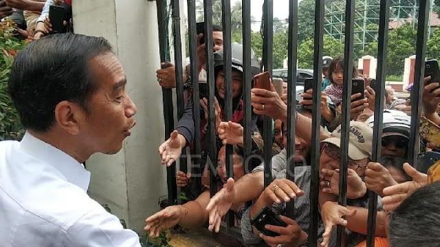 Corona Tembus 1 Juta, Jokowi Perintahkan Karantina Wilayah hingga RT/RW
