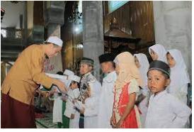 Prioritaskan Memberi Santunan Kepada Anak Yatim-Piatu.