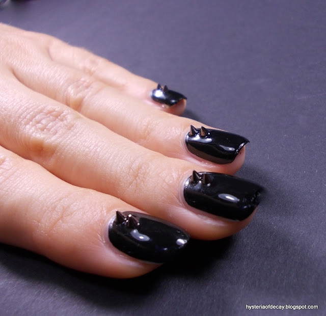 spike-stud-silver-black-nails-born-pretty-store-kleancolor-madly-black
