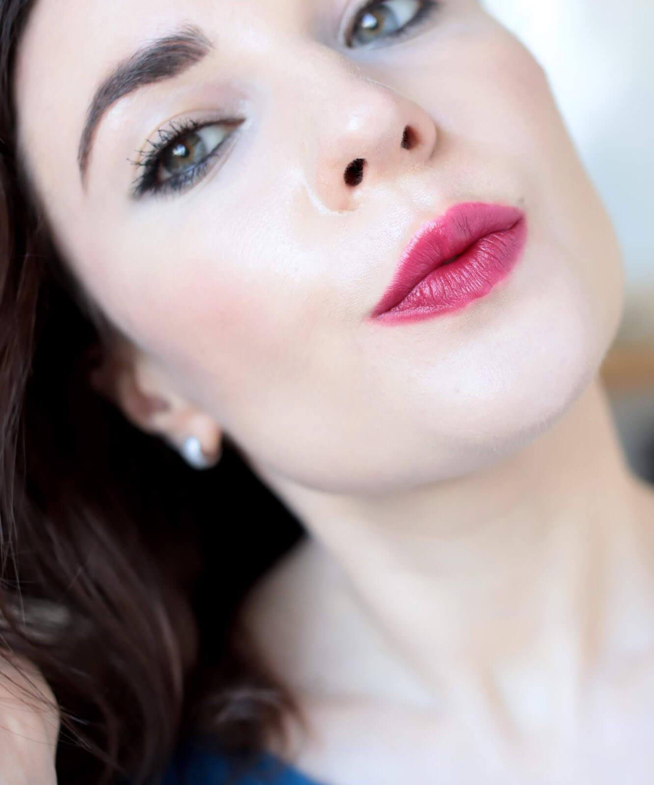 Kosas Weightless Lip Color Darkroom revue