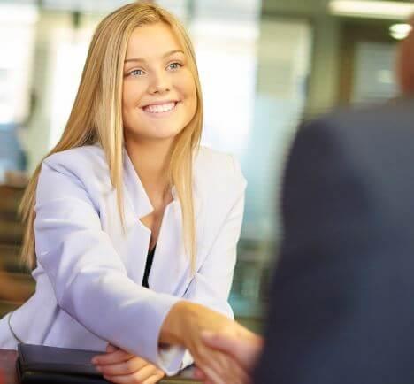 10 نصائح مفيدة للتحضير لمقابلة عمل